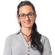 D8O_1361 - Annina Hostettler - Portrait - weiss - 262x262Px